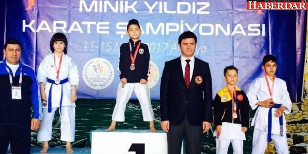Çatalca Belediyesi'nden Karate Milli Takımına bir sporcu daha