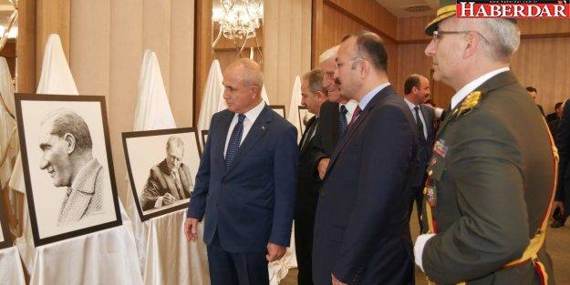 Cemal Akyıldız'ın Atatürk resimleri Büyükçekmece'de sergileniyor