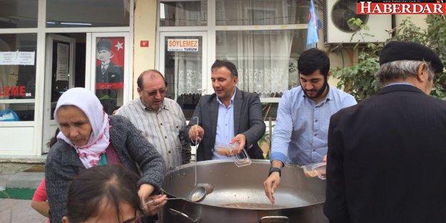 CHP barış için aşure dağıttı