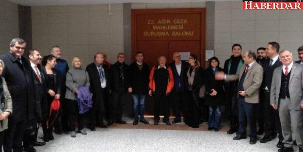 CHP'liler Eren Erdem için adliyede