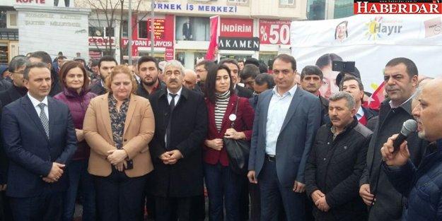 CHP'lilerden Esenyurt'ta Kadıoğlu eylemi