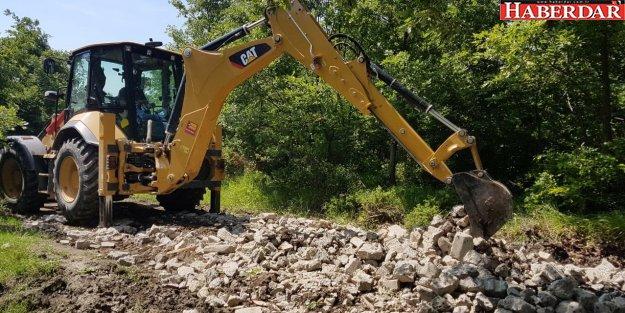 Çiftçi istiyor, Çatalca Belediyesi yollarını açıyor