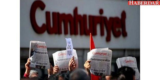 Cumhuriyet Gazetesi'nden 8 Kişi Tutuklama İstemiyle Mehkemeye Sevk Edildi