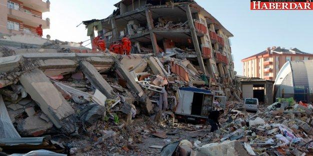 Deprem kıyıdaki ilçeleri vurabilir!