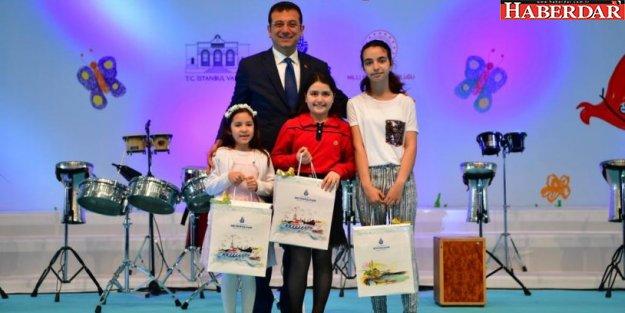 Dereceye giren öğrencilere ödülleri İmamoğlu'ndan