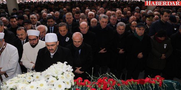 Dostları Başkan Akgün'ü acı gününde yalnız bırakmadı