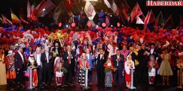 Dünya festivali 19'uncu kez kapılarını sevgi ve barışa açtı