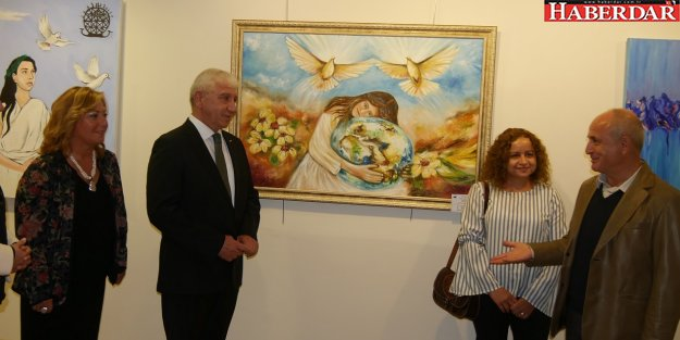 """'Dünyada Barış ve Sevgi""""  temalı resim yarışması ödül töreni gerçekleşti"""