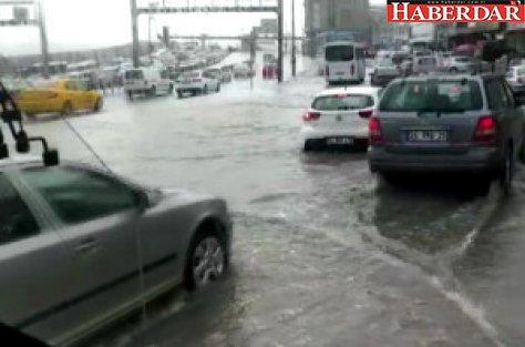 E-5'i Su Bastı, Sürücüler Zor Anlar Yaşadı