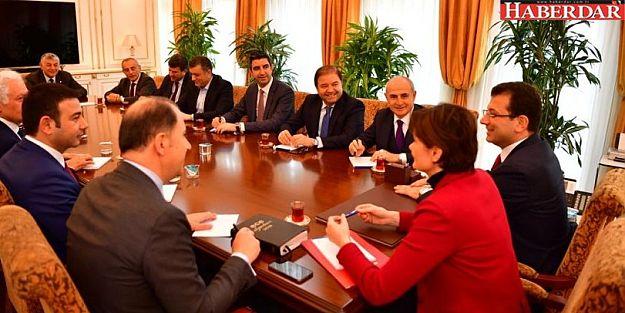 Ekrem İmamoğlu CHP'li belediye başkanları ve meclis üyeleri ile buluştu