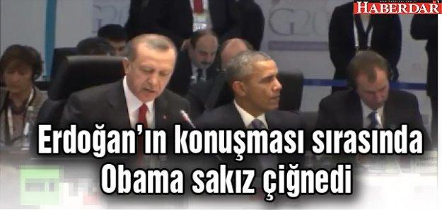 Erdoğan'ın konuşması sırasında Obama sakız çiğnedi