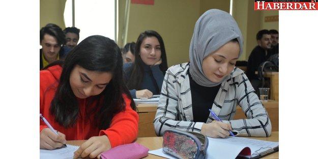 Esenyurt Belediyesi'nin Üniversiteli Gururları
