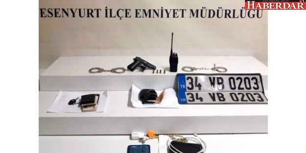 Esenyurt'ta Kendilerine Polis Süsü Verip Vatandaşı Gasp Etti
