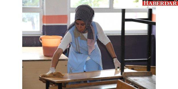 Esenyurt'ta Okullarda Temizlik Alarmı