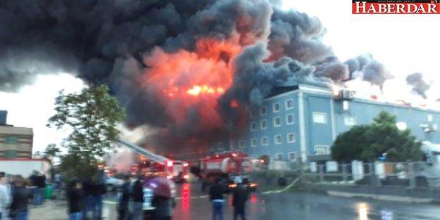 Esenyurt'taki Palet Fabrikasında Çıkan Yangın Yan Fabrikalara da Sıçradı