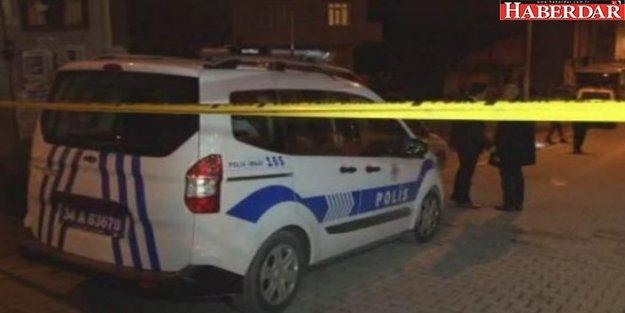 Esenyurt'ta dehşet anları: Önüne gelene bıçakla saldırdı