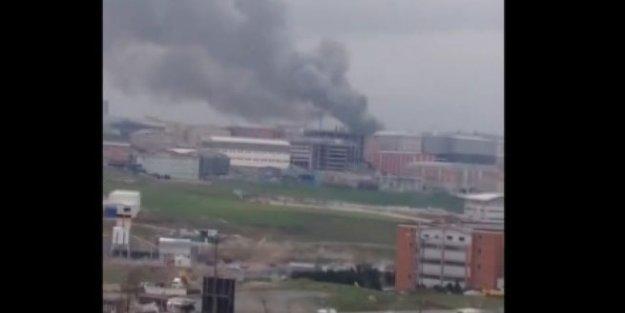Esenyurt'ta fabrika yandı