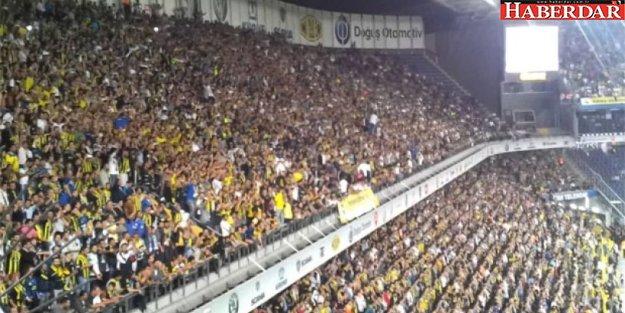Fenerbahçe tribünlerinde istifa sesleri
