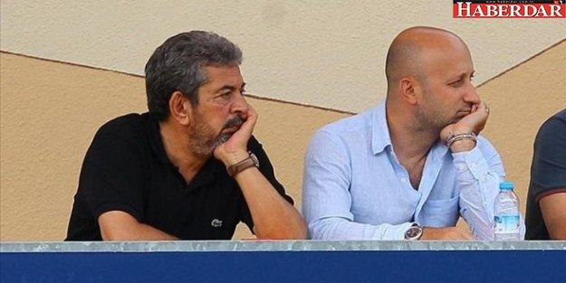 Galatasaray'da Mehmet Özbek bıraktı