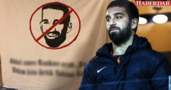Galatasaraylı Taraftarlar, Arda Turan'ı Defterden Sildi
