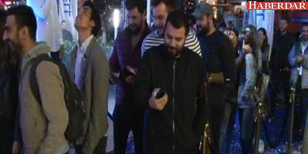 Gece yarısı kuyruğu! Yer İstanbul...