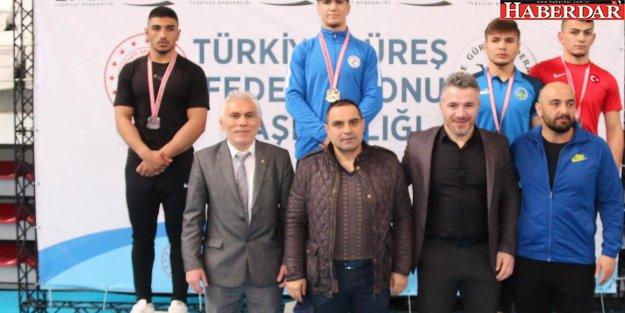 Güreşçimiz Yıldıray Pala Türkiye 2.'si oldu