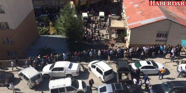 Hakkâri'de karakola bomba yüklü araçla saldırı: 10 şehit