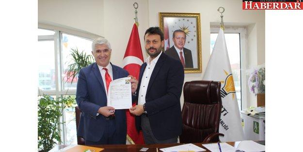 Hüseyin Çetiner, Zeytinburnu'nun ilk aday adayı oldu