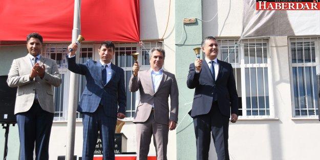İlk ders zili Başkan Bozkurt'tan
