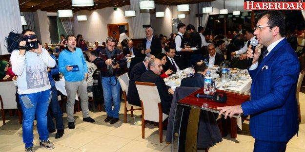 İmamoğlu gazetecilerle buluştu