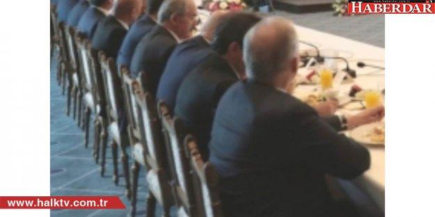 İmamoğlu: Sandalye niye kırıktı? Cumhurbaşkanlığı araştırsın