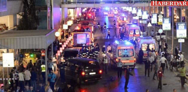 İstanbul Atatürk Havalimanı'nda 3 canlı bomba kendisini patlattı.