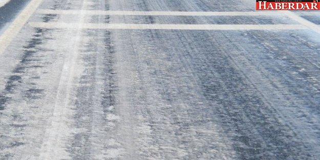 İstanbul'da buzlu yol alarmı