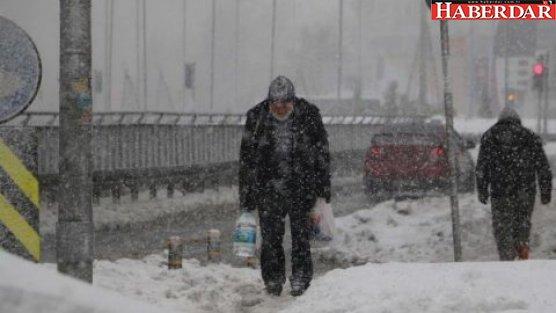 İstanbul'da kar yeniden başladı!