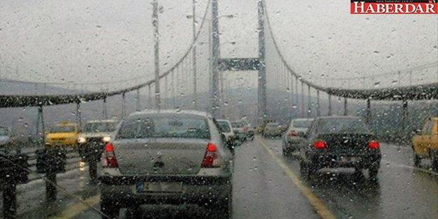 İstanbul'da yağış nedeniyle trafik durma noktasında