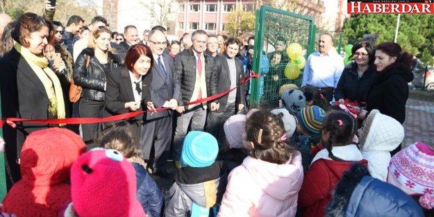 İstanbul Üniversitesi Çocuk Parkına Kavuştu