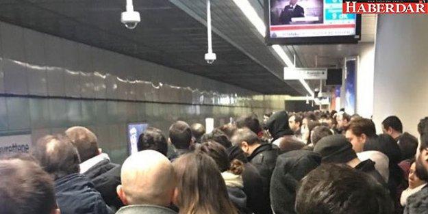 İstanbul'da metro seferleri durdu!