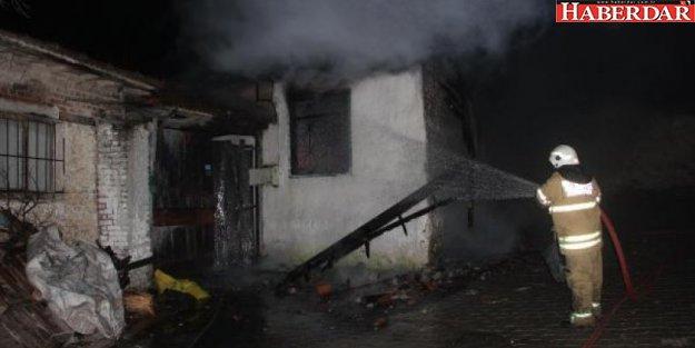 İzmir'de elektrikli battaniye yangını