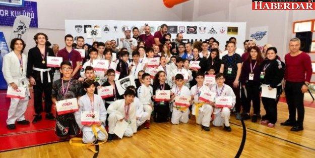 Jujitsu Newaza Açık Kulüpler Turnuvası Beylikdüzü'nde Yapıldı
