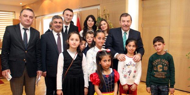 Kadıoğlu Koltuğunu Rahman Şener'e Bıraktı