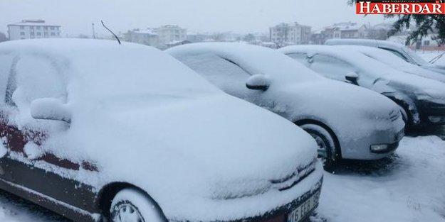 Kar yağışı Silivri'yi beyaza bürüdü