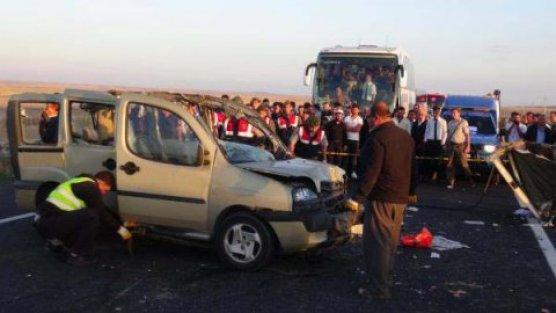 Katliam gibi trafik kazası: 13 kişi öldü