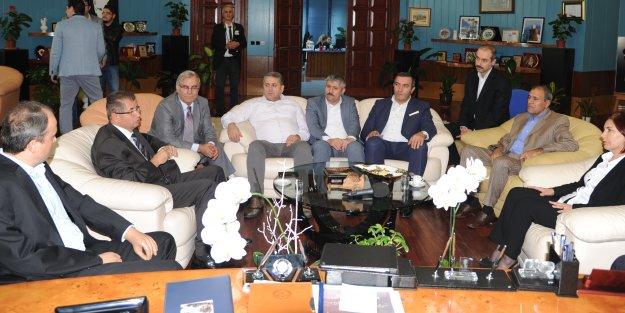 Kaymakam Doğan, Başkan Toprak'ı ziyaret etti.