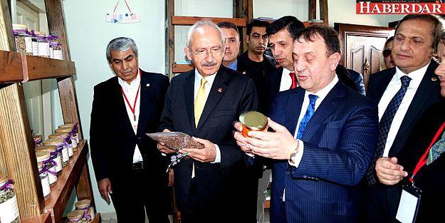 Kılıçdaroğlu,tarımsal Üretim ve Araştırma Merkezi'ni Ziyaret Etti