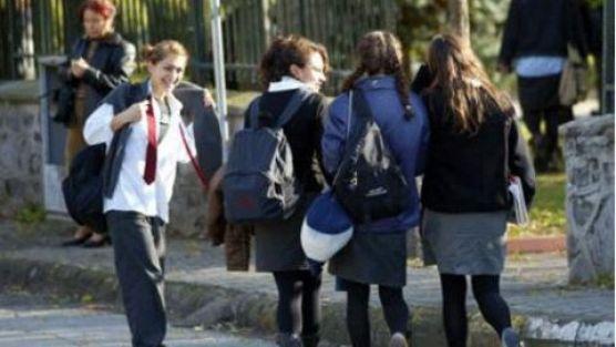 Kızlara özel lise yolda