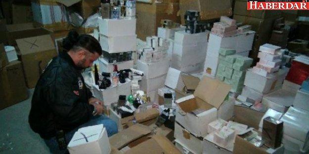 Küçükçekmece'de 4,5 Milyon Şişe Sahte Parfüm Ele Geçirildi