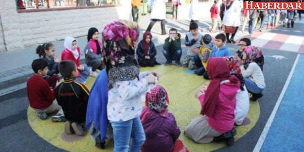 Küçükçekmece'nin 3'üncü Çocuk Sokağı açıldı