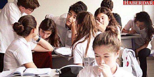 Liselerde ders saatleri değişti! Biyoloji azaldı, din dersi arttı