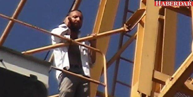 Maaşını alamayınca metrelerce yükseklikte eylem yaptı!