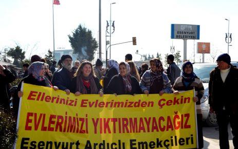 Mağdurlar tekrar belediye önünde